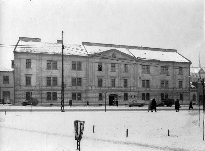 בית הכלא המרכזי בשד' מרגיט בו עונו רבים וממנו גם חולצו